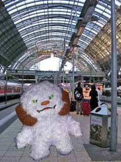 Wampa at Frankfurt Hauptbahnhof